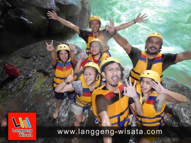 open trip green canyon pangandaran indonesia