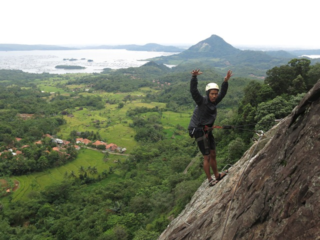 One Day Trip Panjat Tebing Via Ferrata