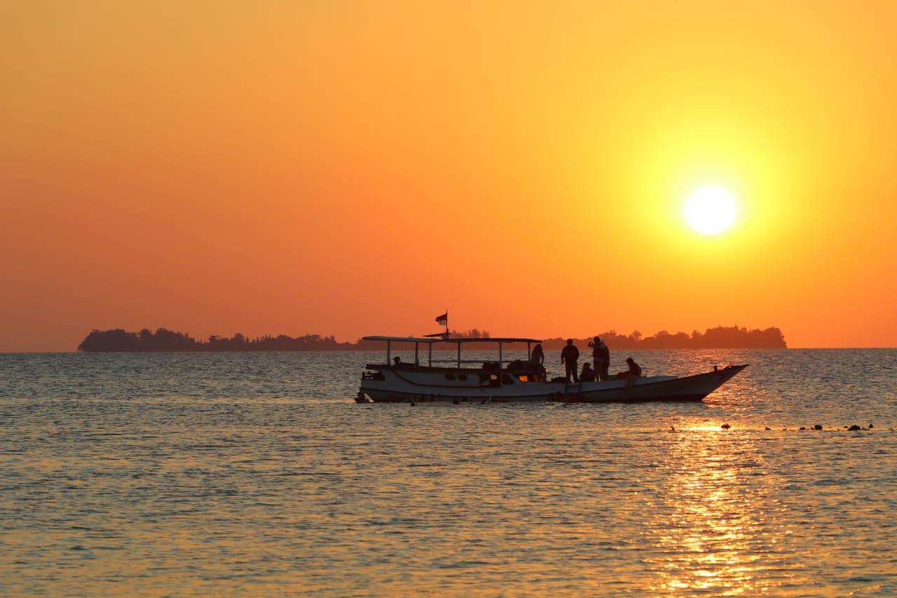 Open Trip Karimun Jawa 4 Hari 3 Malam Kapal Bahari Express